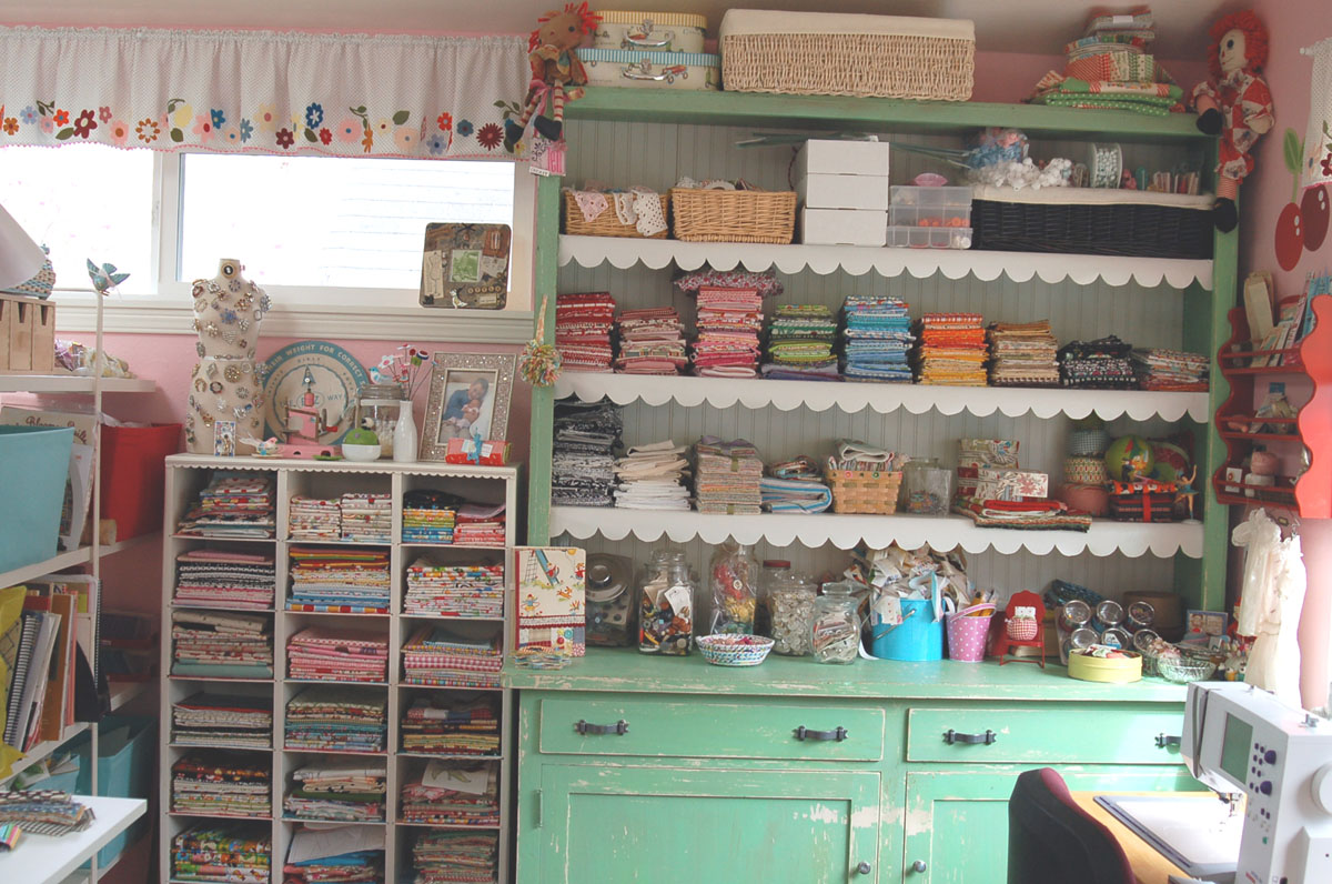 Sewing Room Designs: Erika's Chiquis: Organizing The Sewing And Laundry Room